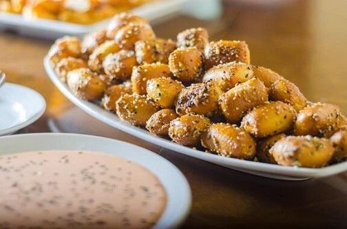 Garlic-Sesame-Pretzel-Bites